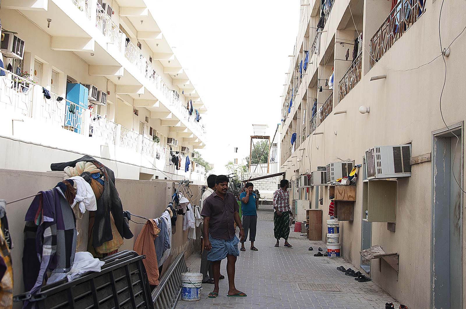Researchers Qatar S Labor Policies Helping Fight Income