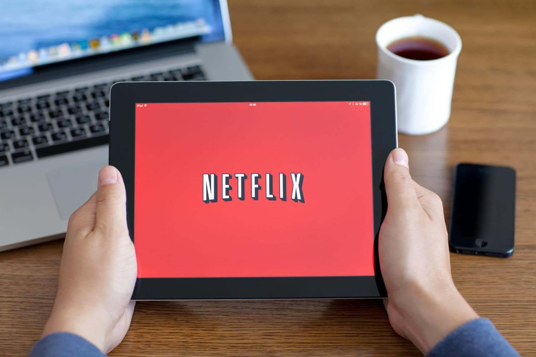 Netflix starts streaming TV shows, movies in Qatar - Doha News