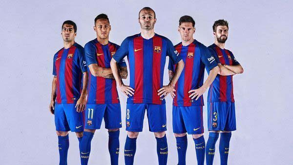 12f83b591af No Qatar Airways logo on new FC Barcelona kit - Doha News